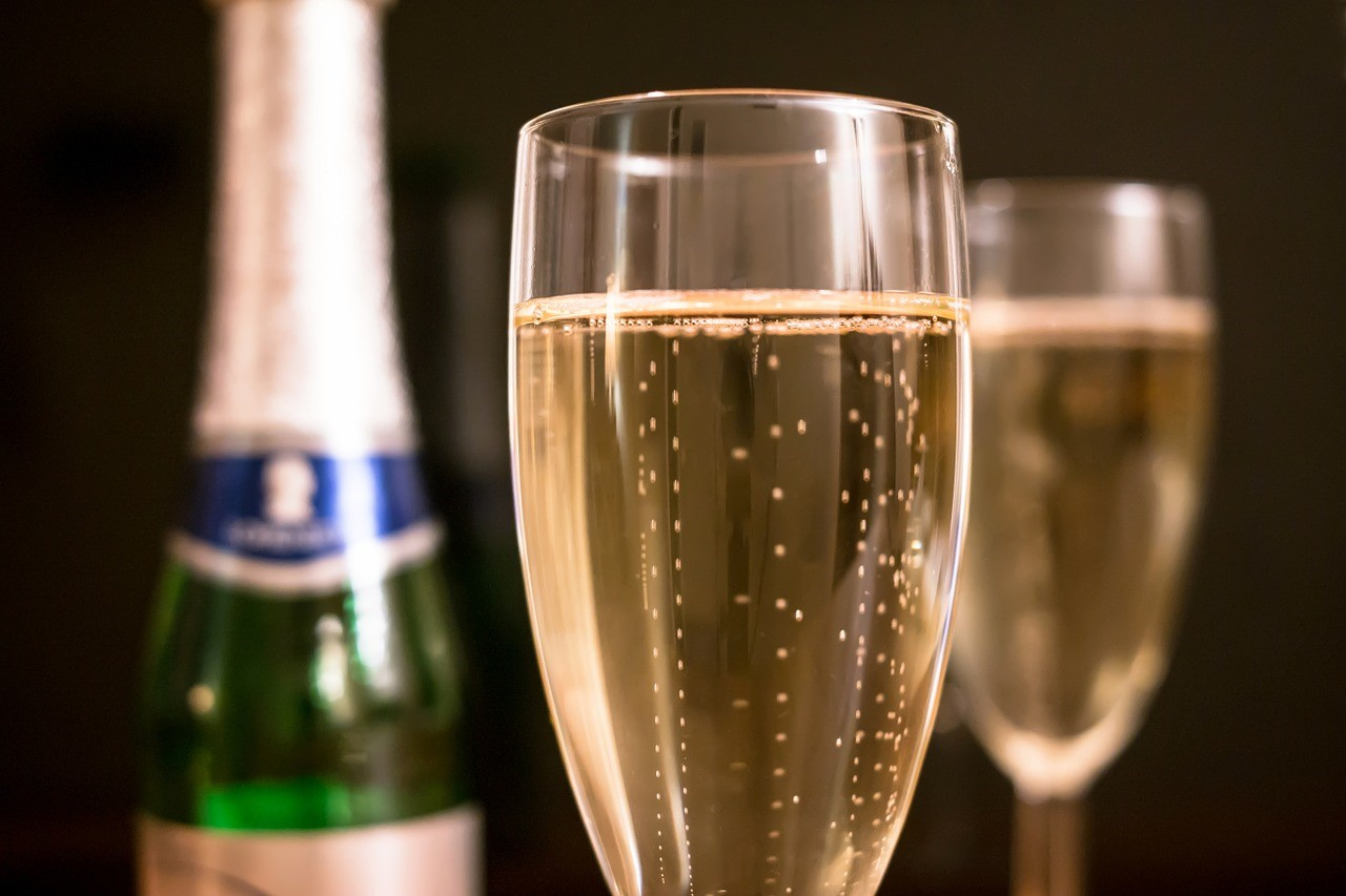 personalised sparkling wine
